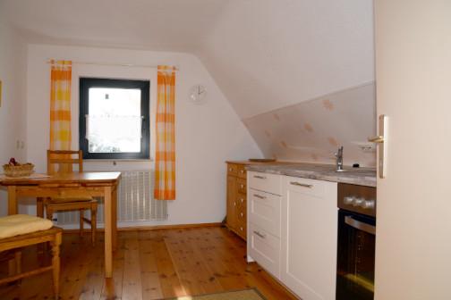 Küche mit umfangreicher Ausstattung